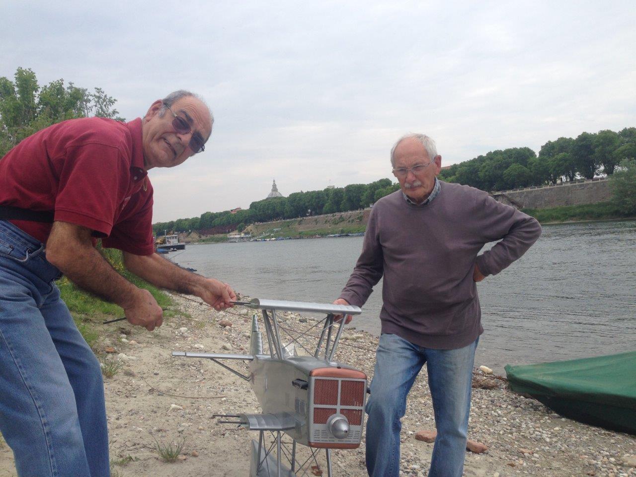Il primo collaudo, il Jacky e Angelo montano il modello.
