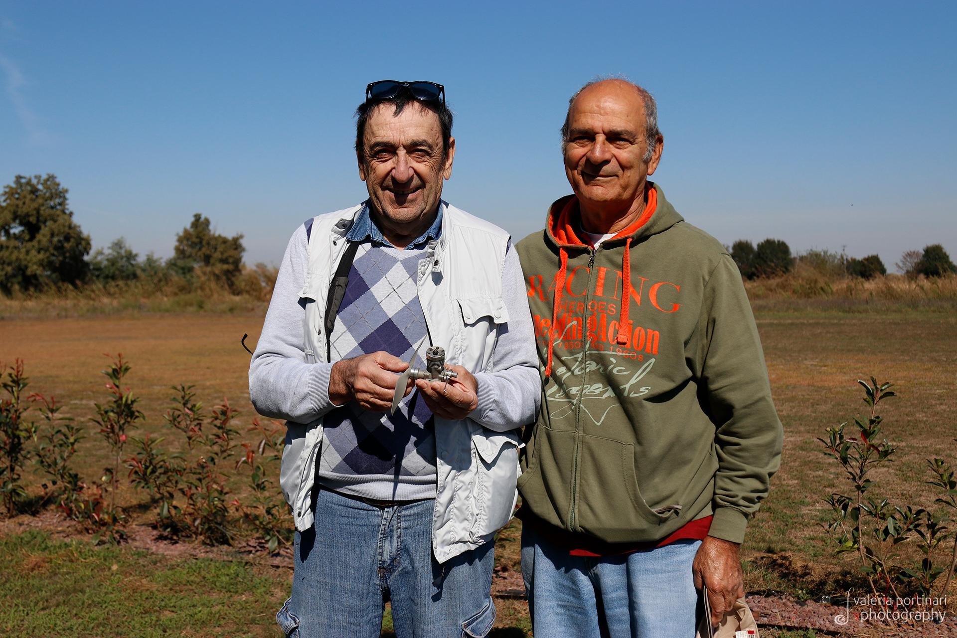 """Il Jacky, a destra, insieme ad un altro mostro sacro del modellismo pavese e internazionale: Italo Magrotti """"Magher""""."""